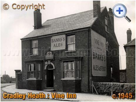Cradley Heath : Vine Inn on the corner of Prince Street and Corngreaves Road [c.1945]