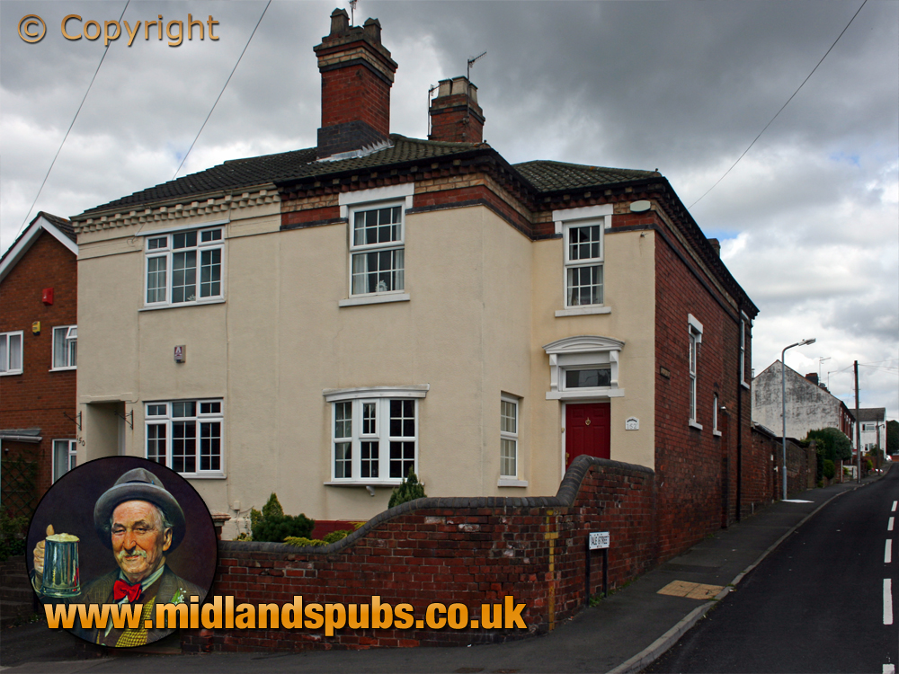 Amblecote : Glass workers houses on the corner of Vale Street and Collis Street [2007]