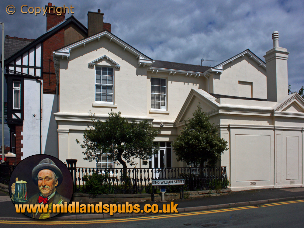 Amblecote : Former Dennis Lodge on the corner of High Street and King William Street [2007]