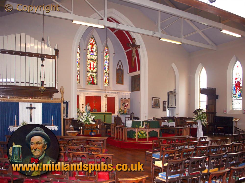 Amblecote : Interior of Holy Trinity Church [2007]