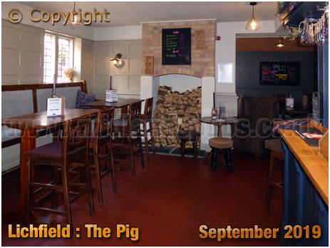 Lichfield : Interior of The Pig [September 2019]
