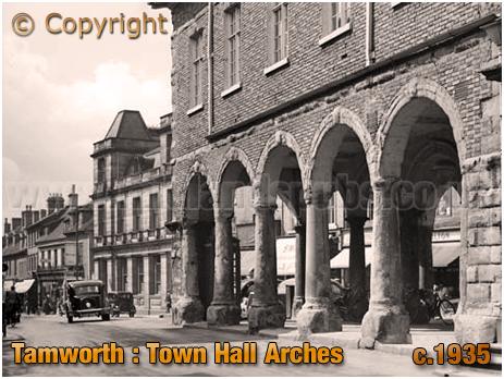 Tamworth : Town Hall Arches [c.1935]