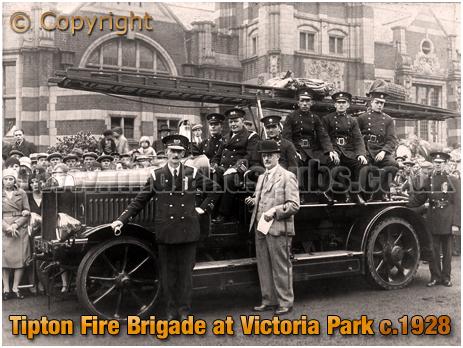 Tipton : Fire Brigade at Victoria Park [c.1928]