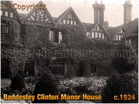 Baddesley Clinton : Manor House Courtyard [c.1924]
