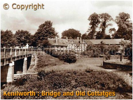 Kenilworth : Bridge and Old Cottages [c.1935]
