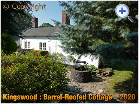Lapworth : Barrel-Roofed Canal Cottage on Grand Union Canal at Kingswood Junction [2020]