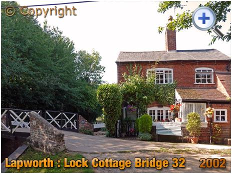 Lapworth : Lock Cottage at Bridge 32 on Stratford-upon-Avon Canal [2020]