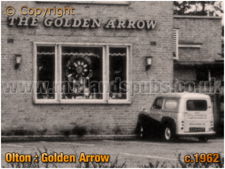Olton : Window display at the Golden Arrow on Warwick Road [c.1962]