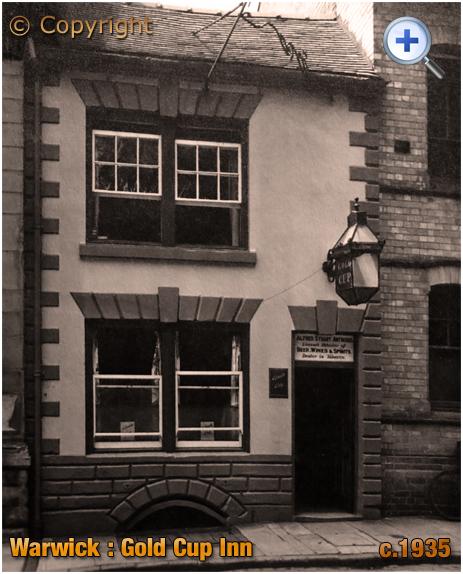 Warwick : The Gold Cup Inn on Castle Street [c.1935]