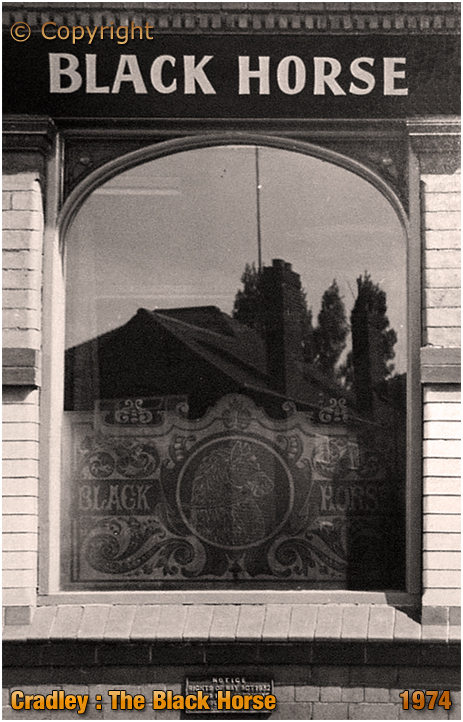 Cradley : Etched Glass at the Black Horse in Banners Lane at Overend [1974]