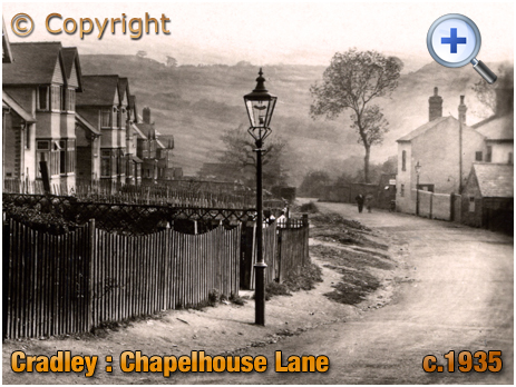 Cradley : Chapelhouse Lane and part of The Chapel House [c.1935]