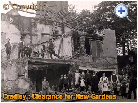 Cradley : Demolition of Property near Dungeon Head [1912]