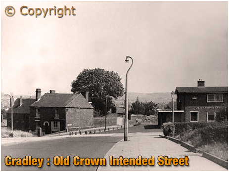 Cradley : The Old Crown at High Town [1973]