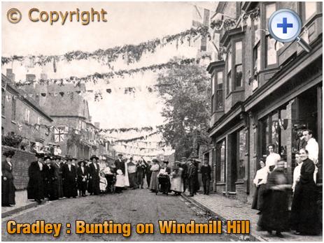 Cradley : Coronation Celebrations on Windmill Hill [1911]