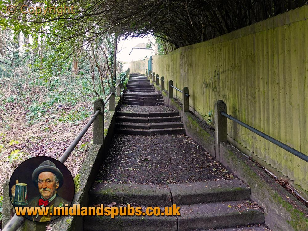 Cradley : The 70 Steps between Hillside Avenue and Highfield Crescent [2021]