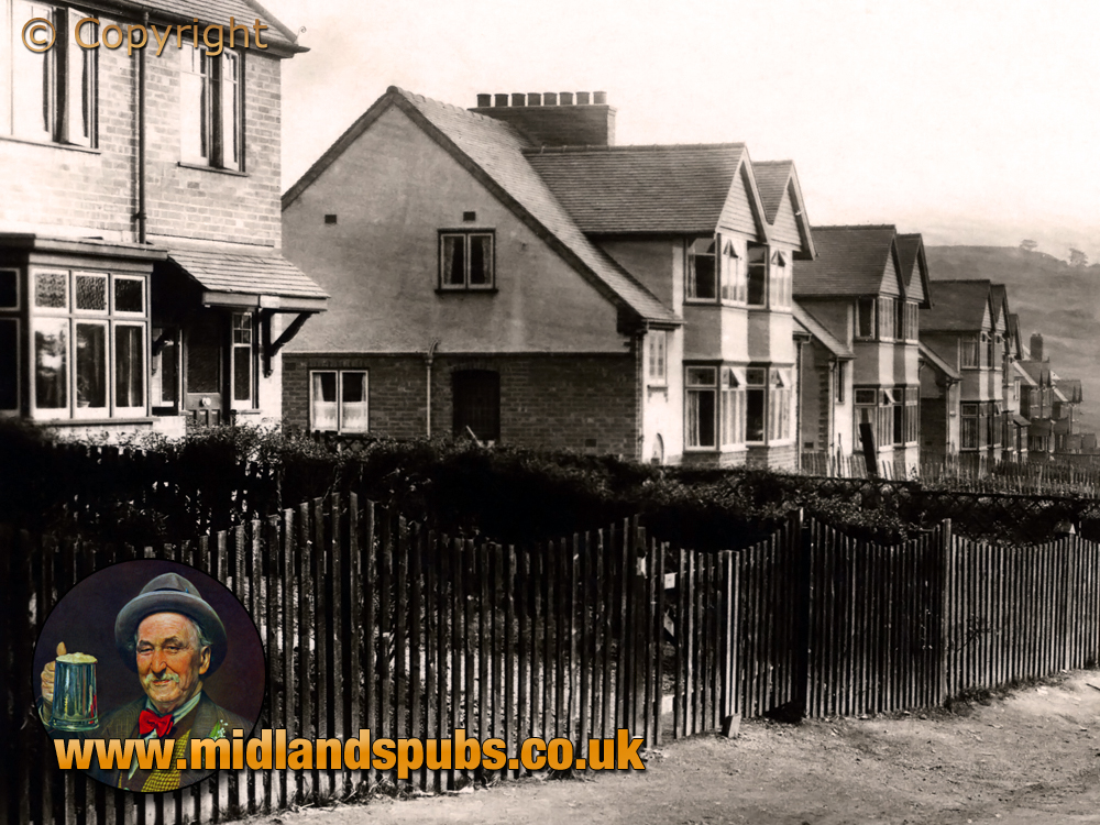 Cradley : Newly-Built Houses in Chapelhouse Lane at Colley Gate [c.1935]
