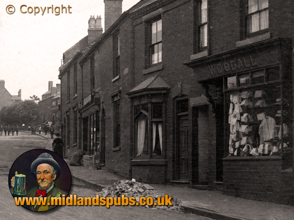 Cradley : Harry Woodall's Shop on Windmill Hill [c.1908]