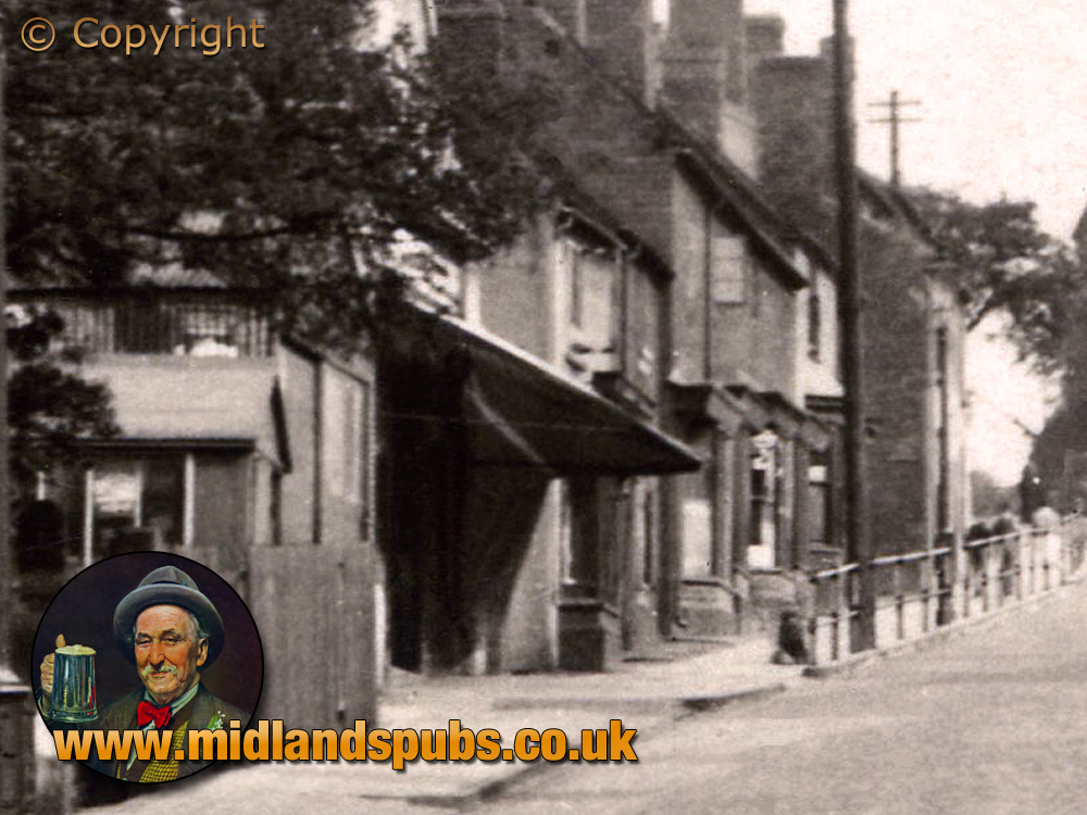 Cradley : Shops and White Lion on Windmill Hill [c.1937]