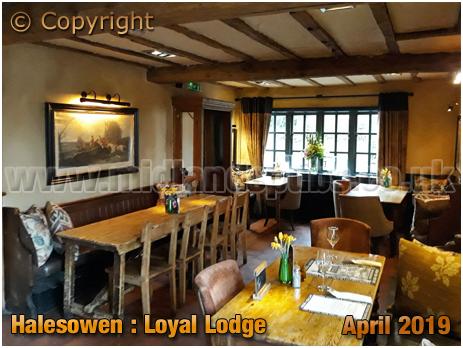 Halesowen : Interior of the Loyal Lodge [2019]