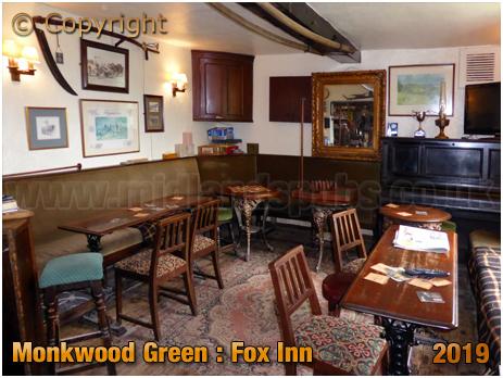 Monkwood Green : Interior of the Fox Inn [August 2016]