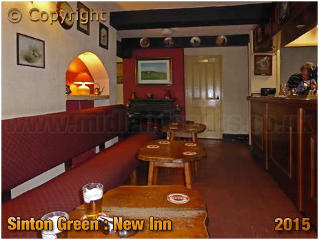 Sinton Green : Interior of the New Inn [August 2015]