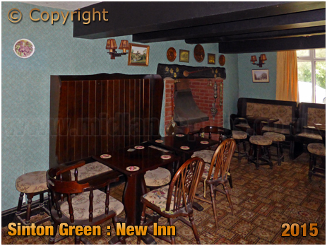 Sinton Green : Lounge of the New Inn [August 2015]