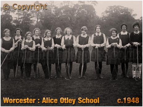 Worcester : Alice Otley School Girls [c.1948]