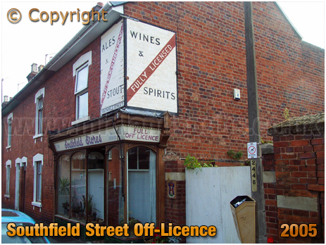 Worcester : Off-Licence in Southfield Street [2005]