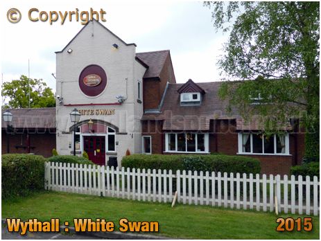 Wythall : Entrance to the White Swan at Drake's Cross [2015]